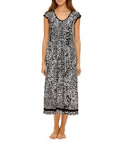 Ellen Tracy   Yours To Love Scallop-Sleeved Nightgown