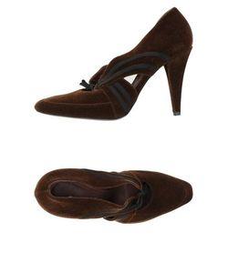 Viktor & Rolf | Footwear Courts Women On