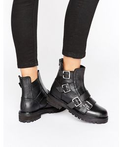 Park Lane   Chunky Buckle Flat Boot Leather
