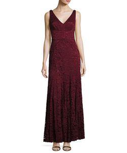 Vera Wang | Sleeveless Double-V Lace Mermaid Gown