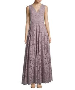 Vera Wang | Lace Floor-Length Gown