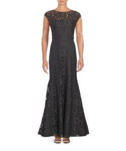 Vera Wang | Lace Mermaid Gown