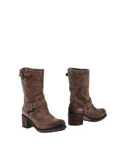 E(X)IT | Footwear Ankle Boots On