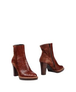 ZINDA | Footwear Ankle Boots On