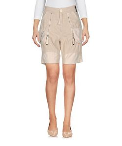 High | Trousers Bermuda Shorts On