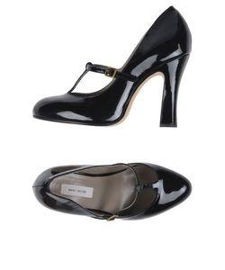 Marc Jacobs | Footwear Courts Women On